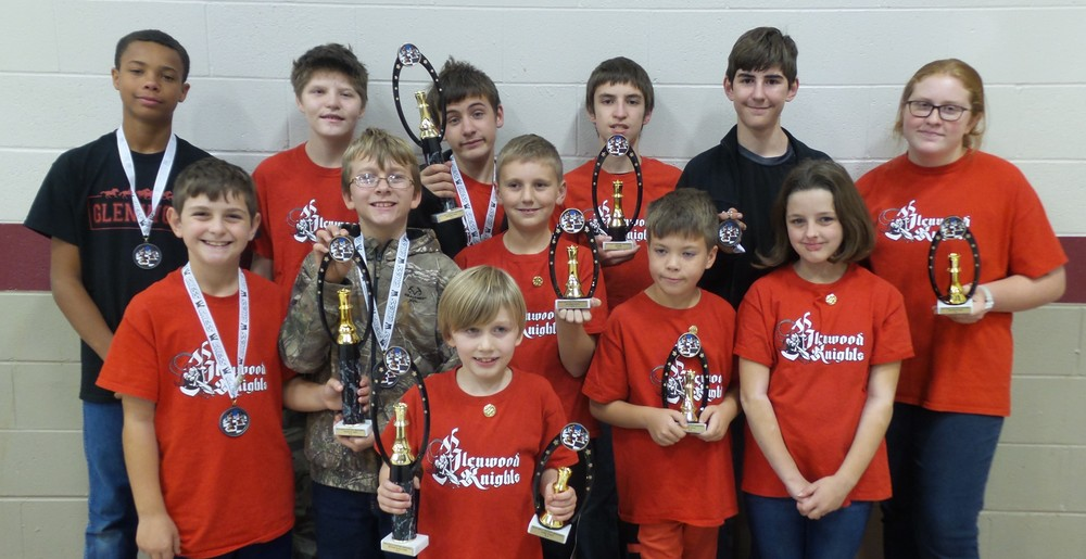 Glenwood Knights Chess Team Dominates