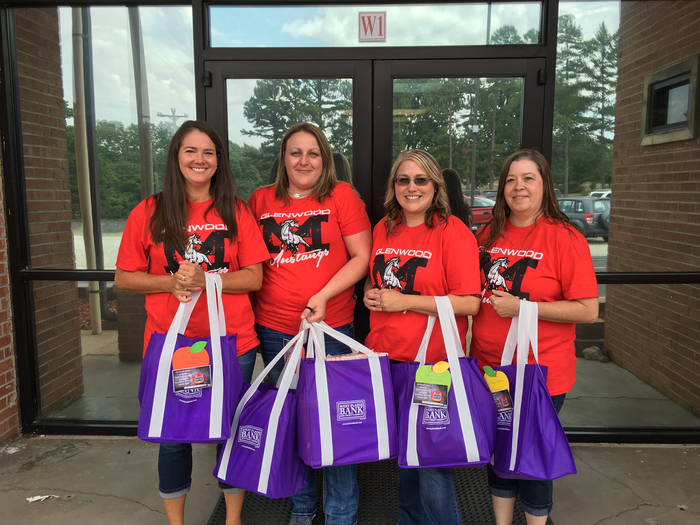 Glenwood teachers receive school supplies from West Plains Bank