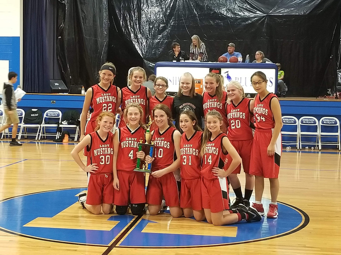 Glenwood Lady Mustangs basketball team win 3rd in tournament